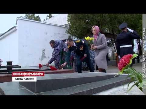 НТС Севастополь: Севастопольские бойцы Росгвардии почтили память Героя Советского Союза Неустроева