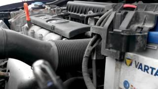 volkswagen polo sedan замена лампочки габарита передней фары