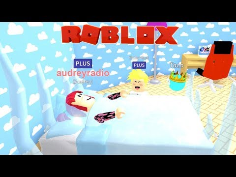 Baby Alan froze the babysitter?! Roblox MeepCity