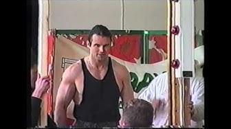Vesa Mäkinen - 100 kg lisäpainoleuanveto 1994
