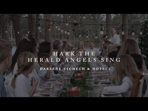 Darlene Zschech & HopeUC - Hark The Herald Angels Sing (Group Singalong)