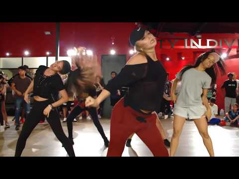 Download Youtube: Bodak Yellow - Cardi B / Crazy Dance Video