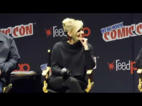 Jennifer Morrison SwanQueen Question NYC Comic Con 2016