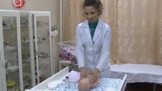 видео Крема, присыпки, масла для новорожденных - польза или вред?