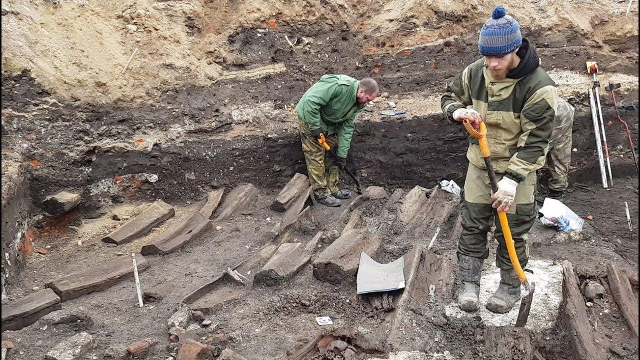 В центре Тулы археологи обнаружили десятки гробов с человеческими останками