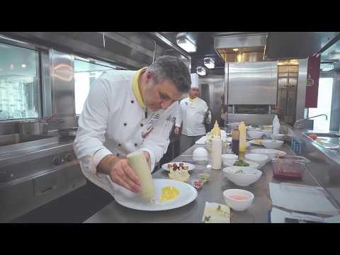 コスタネオロマンチカ_Exec Chef (エグゼクティブ シェフ)