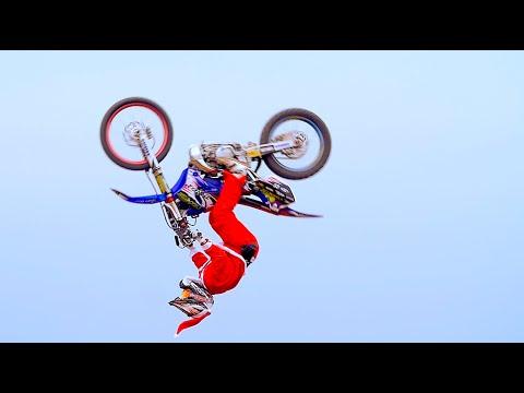 画像: Santa Claus Riding freestyle youtu.be