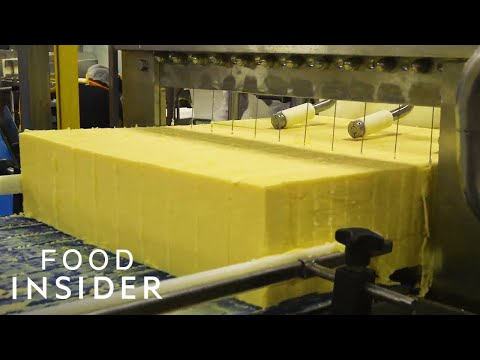 How A 100-Year-Old Vermont Creamery Makes Cheddar Cheese   Regional Eats