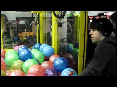 journey to the claw machine