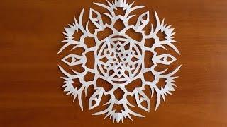 как сделать красивую снежинку из бумаги видео(Новогодняя снежинка из бумаги. Что бы сделать красивую снежинку из бумаги, на понадобиться лист бумаги,..., 2016-11-22T15:48:10.000Z)