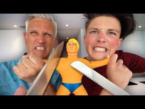 UNBREAKABLE GIANT STRETCHY TOY!! *IMPOSSIBLE CHALLENGE* (Stretch Armstrong EXPERIMENT!)