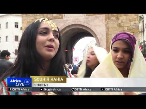 Tunisians showcase traditional attires