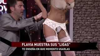 Repeat youtube video Diferencias entre Medias, Pantys y Ligas por Flavia en #tocshow