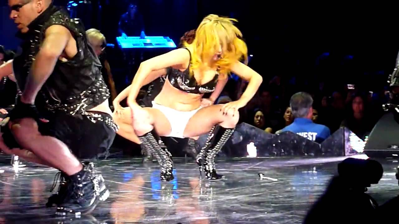 No panties on stage that interfere