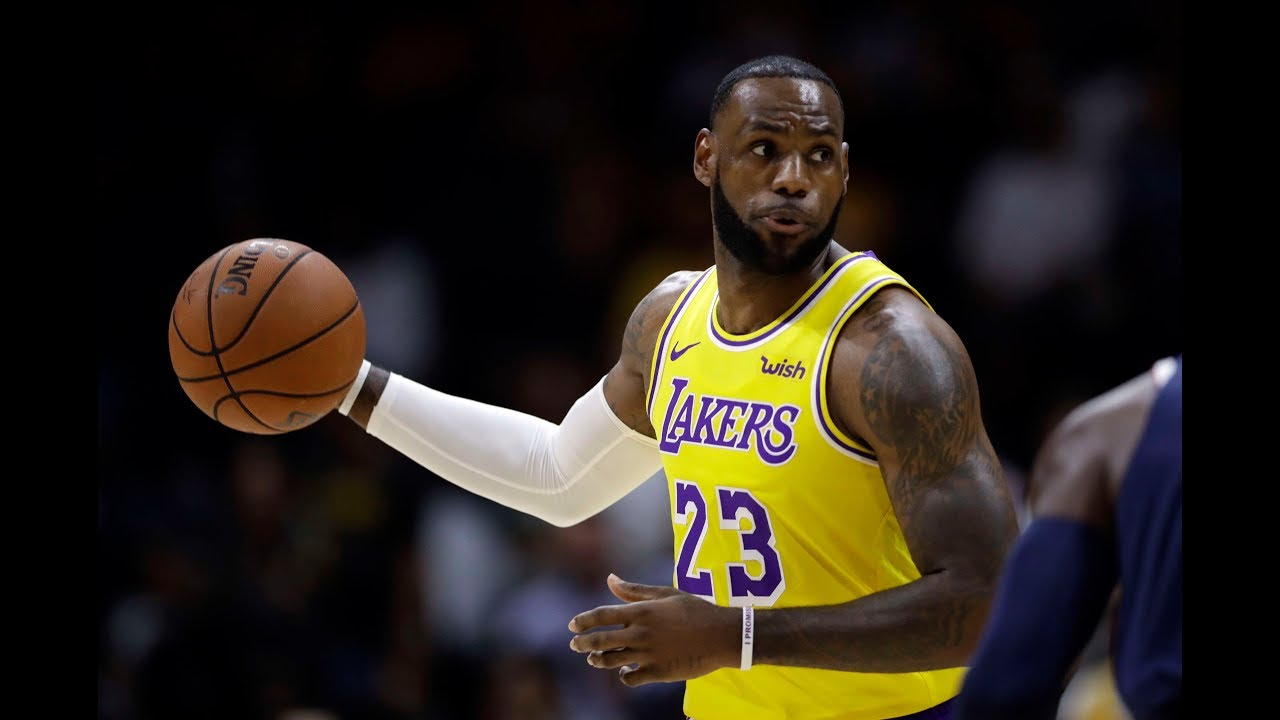 LeBron James Makes His Lakers (Preseason) Debut vs ... Lebron James Yelling Vs Lakers