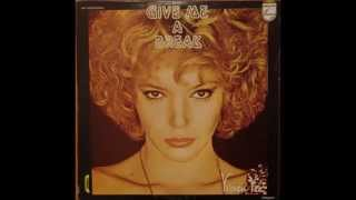 VIVIEN VEE  -  GIVE ME  A  BREAK   -  1980    HQ (WAV).