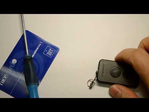 Как заменить батарейку в пульте от ворот