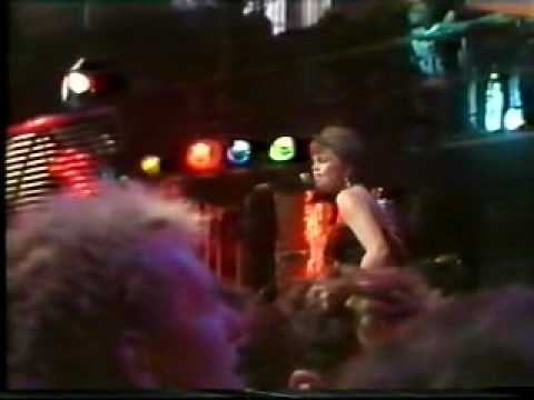 Go-Go's This Old Feeling live on UK TV The Tube