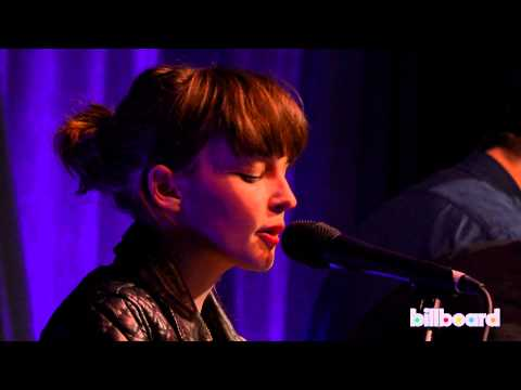 "Chvrches cover Janelle Monáe's ""Tightrope"" Live at Billboard Women In Music 2013"