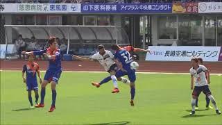 ディエゴ オリヴェイラ(FC東京)が右サイドから供給されたクロスを頭で...