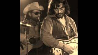 Watch Waylon Jennings Youll Look For Me video