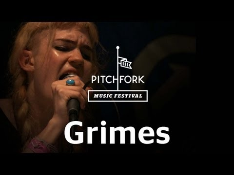 "Grimes Performs ""Circumambient"" At Pitchfork Music Festival 2012"