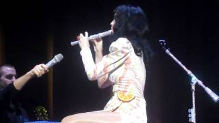 [HD] Original Katy Perry Fails at Playing Flute/Recorder Good Morning America Play Of The Day