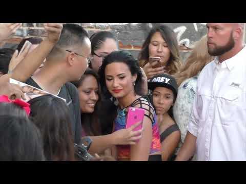 When Demi Lovato Goes Out in Public Mp3