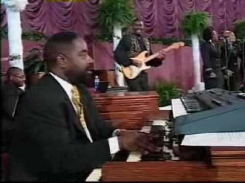Vickie Winans sings I KNOW THE LORD WILL MAKE A WAY