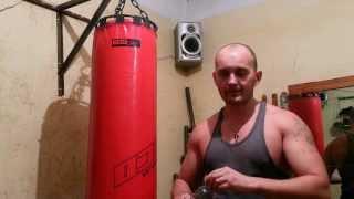 Как выбрать боксерский мешок.(Как выбрать боксерский мешок. В этом видео я поделюсь своим опытом об выборе мешка в зал. -----------------------------------..., 2013-10-13T12:33:37.000Z)