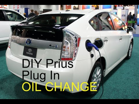 2010-2017 DIY PLUG IN Toyota Prius How to Oil Change Mobil ...