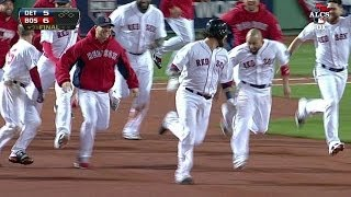 Salty's single gives Red Sox a walk-off win