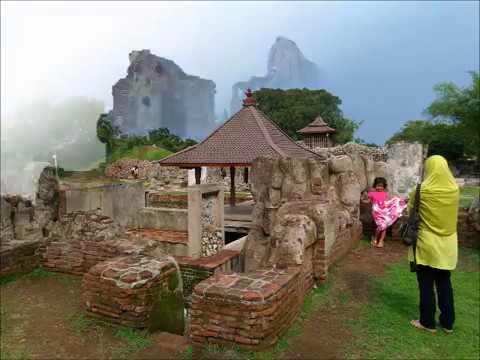 wisata-gua-sunyaragi-cirebon-jawa-barat-indonesia