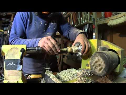 Ξυλοτορνος- Κατασκευη μιας πιπας απο ξυλο ελιας -Woodturning -Making an olive wood smoking pipe