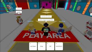 Hole in the wall with my best friend on roblox!