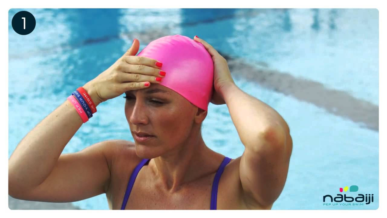 How to swimmers wear cap
