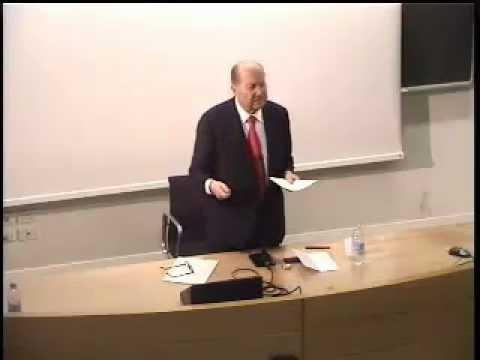 Arnaldo momigliano essays