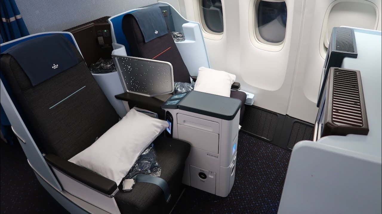 Review of Flying Blue, the frequent flyer program of Air