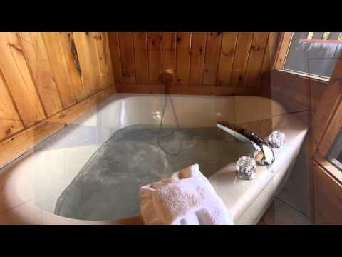 """""""Romantic Evenings"""" Honeymoon Cabin in Pigeon Forge For Two - Cabins USA 2016"""