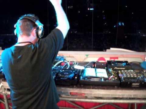 DJ Aphrodite - Ganja Man featuring Deadly Hunta
