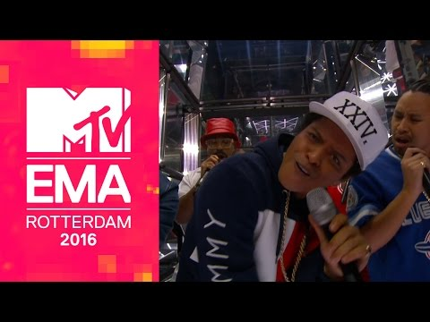 Bruno Mars – 24K Magic (from The 2016 MTV EMAs) [Live]