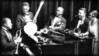 Louis Armstrong And His Hot Five - Struttin