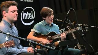 Tegan And Sara - Walking With A Ghost (Bing Lounge)