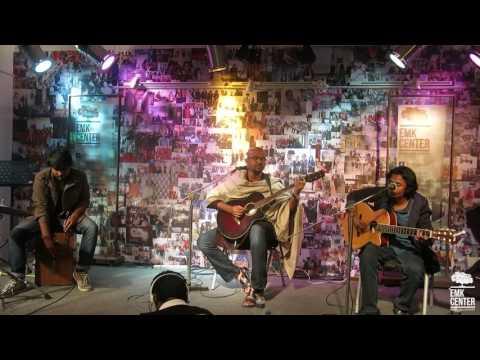 Miftah Zaman (Live) - Tumi Robe Nirobe