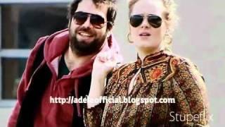 Adele cuddled up with Simon Konecki (boyfriend) in Florida thumbnail