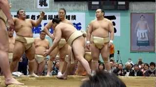 2012年4月11日(日)、栃木・佐野巡業の模様です。 日馬富士の厳しいぶつ...