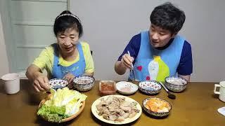 먹방Mukbang 돼지고기수육,김치겉절이,수육송,속사포…
