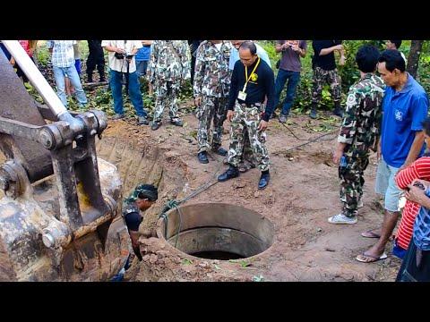 ภาพเหตุการณ์ช่วยลูกช้างป่าตกบ่อน้ำที่เขาชะเมา