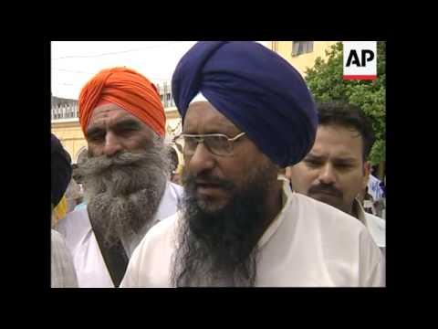 Pilgrims flock to Pakistan for Sikh festival