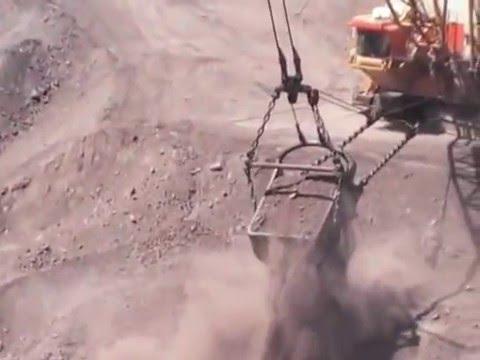 Bucyrus Erie 2570WS At Peak Downs Mine In Central Queensland- Video 2/2